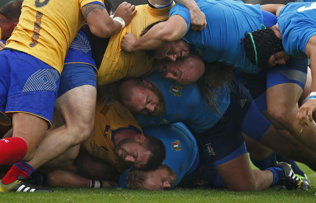 Rugby Union - Italy v Romania - IRB Rugby World Cup 2015 Pool D - Sandy Park, Exeter, England - 11/10/15 General view during a scrum Action Images via Reuters / Andrew Couldridge Livepic