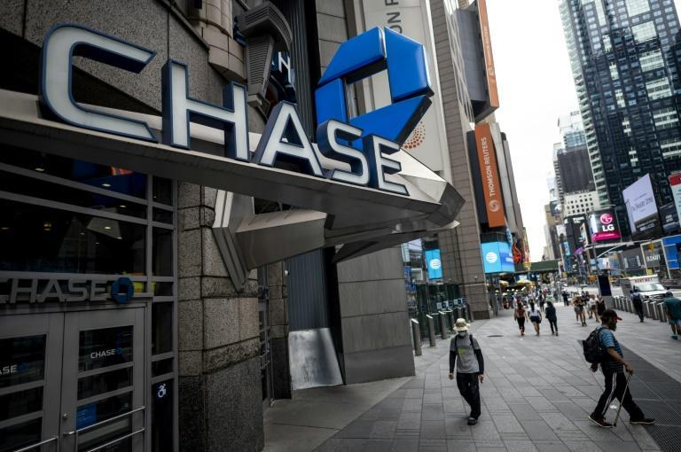 Shares of JPMorgan Chase rose after it reported better-than-expected results and avoided hefty reserves for bad loans