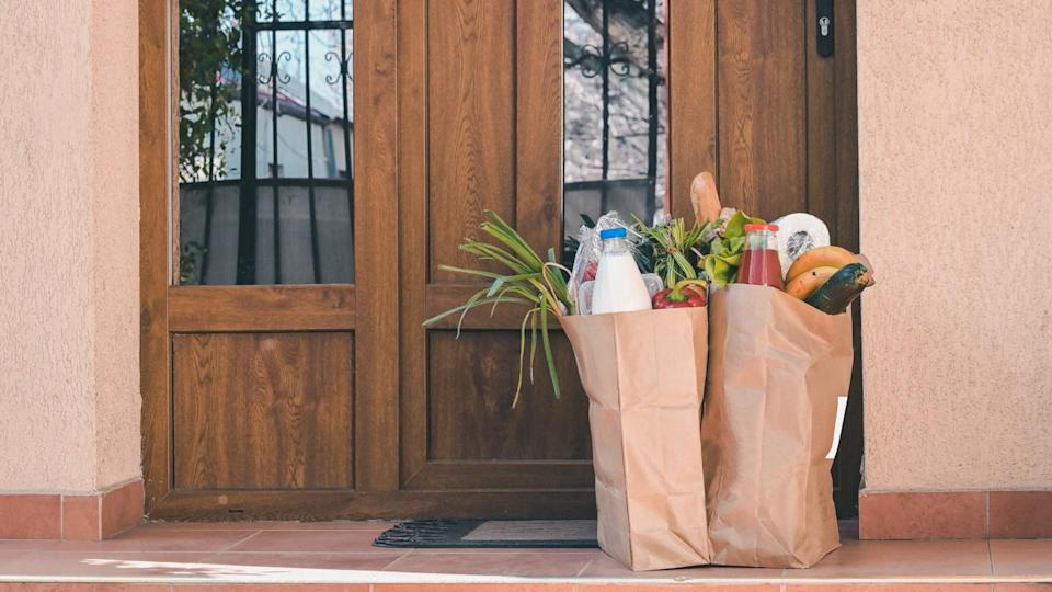Delivering Food To A Self-isolate People or Quarantine At Home.