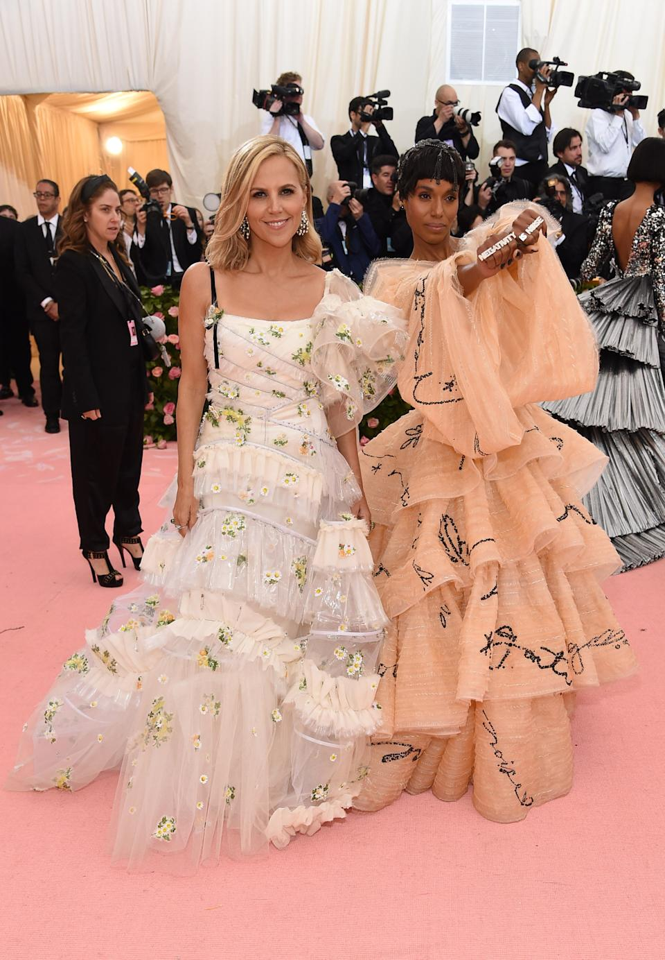 """<h1 class=""""title"""">Tory Burch and Kerry Washington in Tory Burch wearing Lorraine Schwartz jewelry</h1><cite class=""""credit"""">Photo: Getty Images</cite>"""