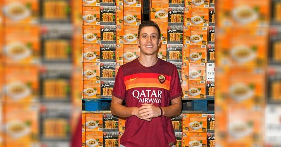 <p>Miami Heat guard Duncan Robinson donated 10,000 packs of Taiwanese ramen noodles which he had endorsed to families in the U.S. on Dec. 12. (Courtesy of Duncan Robinson/Instagram)</p>