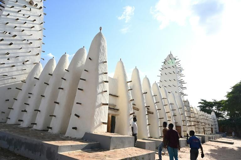 The city's Grand Mosque is one of its highlights (AFP Photo/ISSOUF SANOGO)