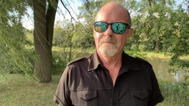 Christopher Brown lives in St-Eugène, Ont., and says he smelled a pungent odour coming from the Rigaud River on Sept. 1. Two days later, he noticed the first dead fish. (Denis Babin/Radio-Canada - image credit)