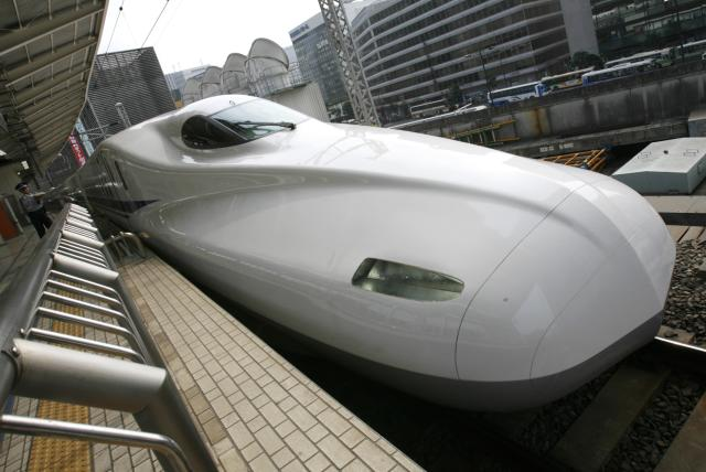 Japan Railway's N700 bullet train stands at a platform of Tokyo Station in Tokyo in this July 6, 2007 file photo. The Texas Central Railway Company plans to use private investment and Central Japan Railway bullet train technology to run a high-speed line between Dallas and Houston, two of the largest U.S. cities. (REUTERS/Toru Hanai)