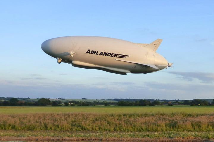 worlds largest aircraft tears itself apart airlander