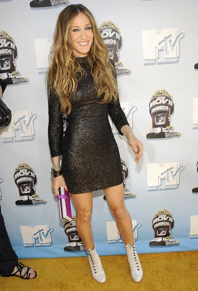 """BEST - <a href=""""http://movies.yahoo.com/movie/contributor/1800016083"""">Sarah Jessica Parker</a> sparkled with her ultra-high hemline (and not a fabric flower in sight)."""