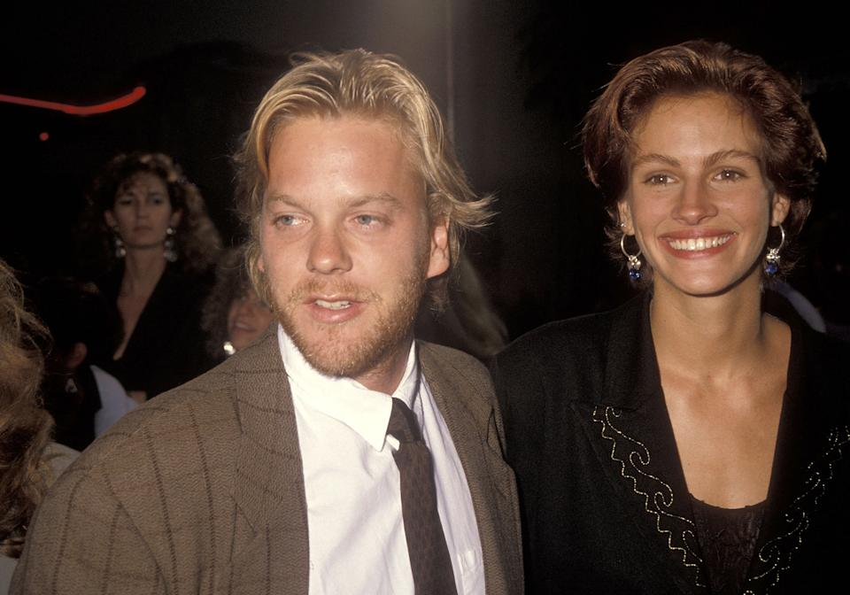 Actor Kiefer Sutherland and actress Julia Roberts attend the 'Flatliners' Hollywood Premiere on August 6, 1990 at Mann's Chinese Theatre in Hollywood, California. (Photo by Ron Galella, Ltd./Ron Galella Collection via Getty Images)