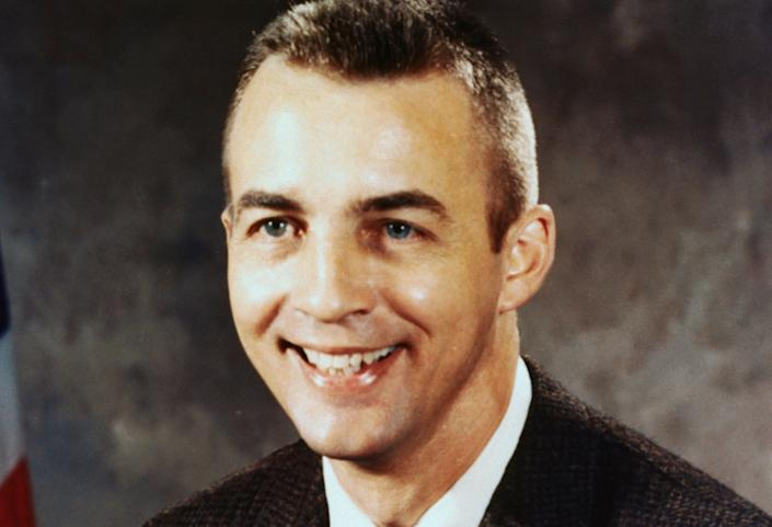 Donald H. Peterson Sr., an astronaut who served on the maiden voyage of the space shuttle Challenger, died on May 27, 2018. He was 84.