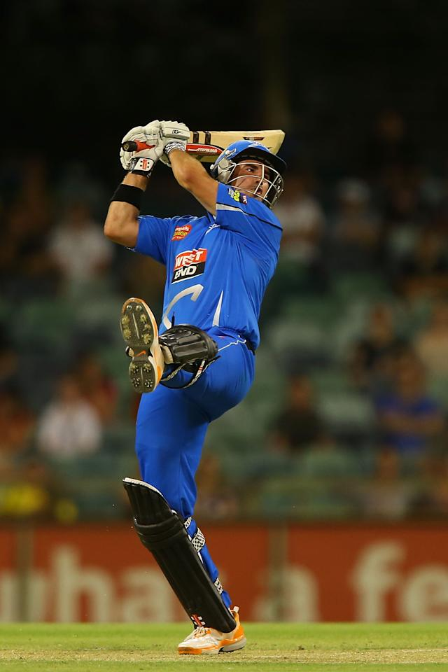 PERTH, AUSTRALIA - DECEMBER 09:  Nathan Reardon of the Strikers hits out during the Big Bash League match between the Perth Scorchers and Adelaide Strikers at WACA on December 9, 2012 in Perth, Australia.  (Photo by Paul Kane/Getty Images)