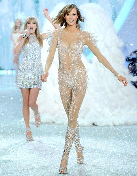 Karlie Kloss Wears Sheer Bodysuit at Victoria's Secret Fashion Show: See All of Her Sexy Looks!