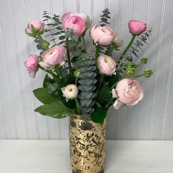 "<h2>Ranunculus</h2><br><strong>Best for: Pisces Moms</strong><br>""Pastel Ranunculus will melt anyone's heart with their sweet vibes, just like your caring, empathetic Pisces mom."" <br><br><em>Shop</em> <strong><em><a href=""http://floom.com"" rel=""nofollow noopener"" target=""_blank"" data-ylk=""slk:Floom"" class=""link rapid-noclick-resp"">Floom</a></em></strong><br><br><strong>Floom</strong> Ranúnculos dream, $, available at <a href=""https://go.skimresources.com/?id=30283X879131&url=https%3A%2F%2Fwww.floom.com%2Fus%2Fshop%2Flovely-blooms-decorations-corp-us-436058%2Franunculos-dream"" rel=""nofollow noopener"" target=""_blank"" data-ylk=""slk:Floom"" class=""link rapid-noclick-resp"">Floom</a>"