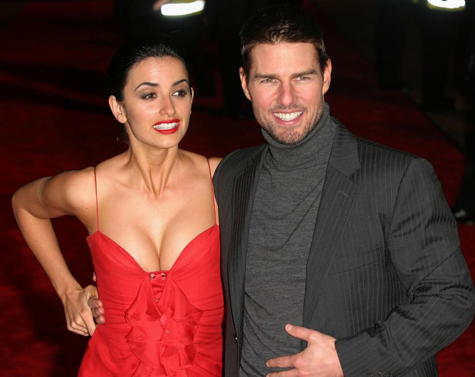 """Penelope Cruz and Tom Cruise during """"The Last Samurai"""" UK Premiere - Arrivals at Odeon Cinema Leicester Square in London, Great Britain. (Photo by Ferdaus Shamim/WireImage)"""
