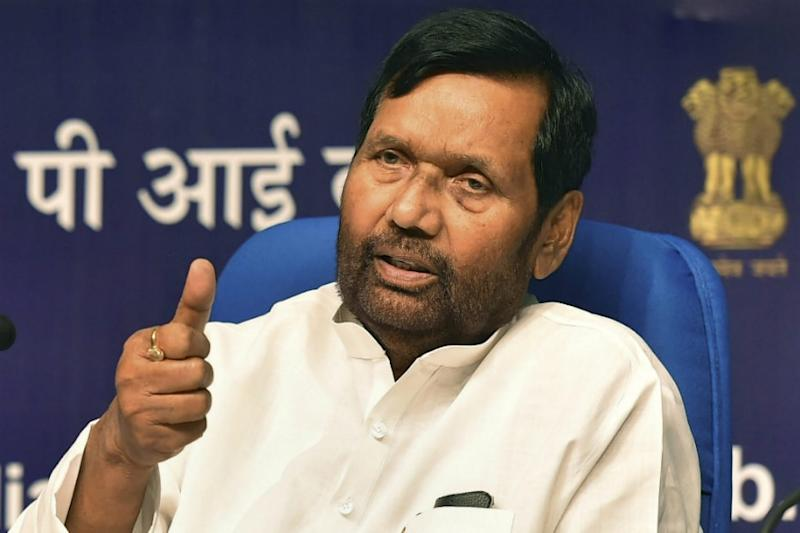 Ram Vilas Paswan Requests Mamata Banerjee to Initiate Aadhar Authentication for Distribution of Foodgrains in Bengal