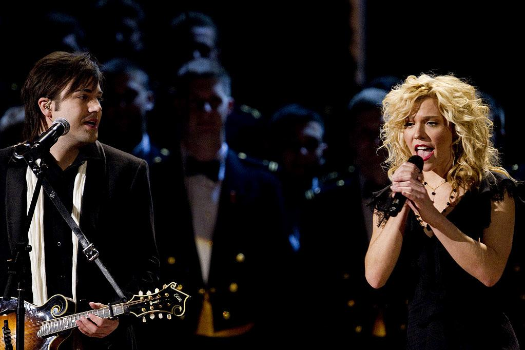 """The Band Perry performs at TNT's """"Christmas in Washington."""""""