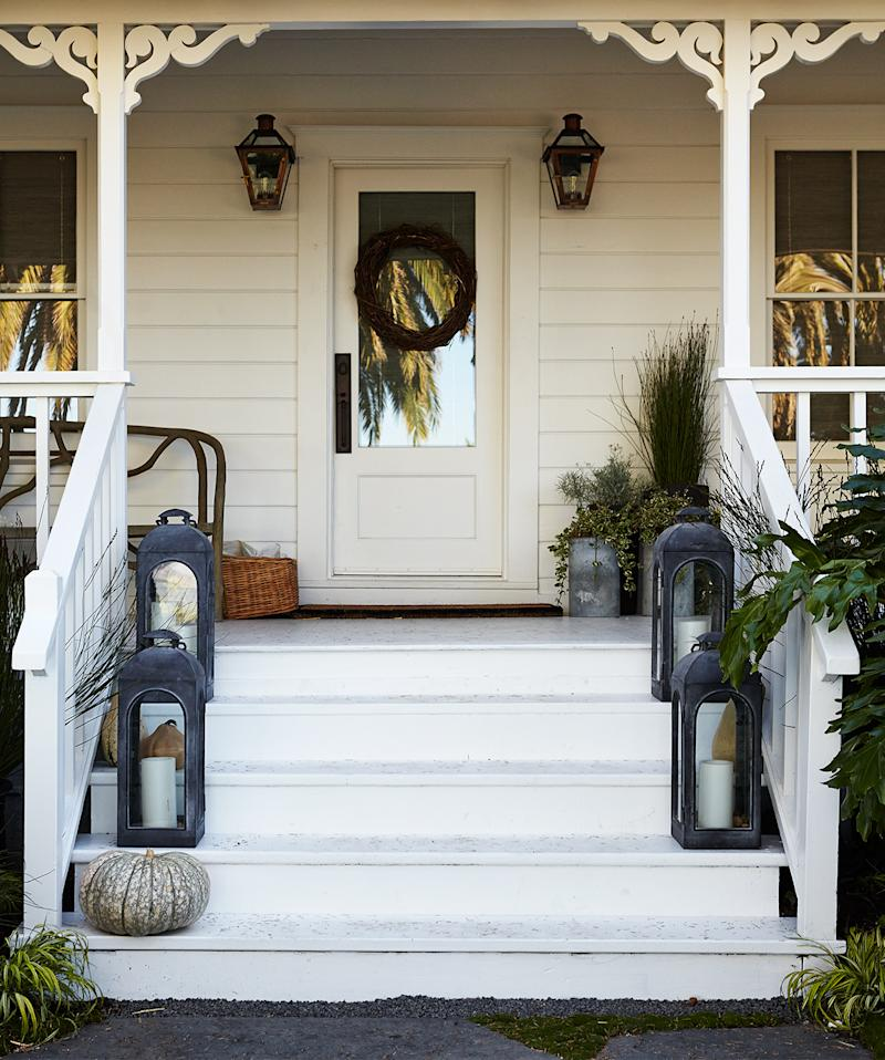 front porch lanterns on steps