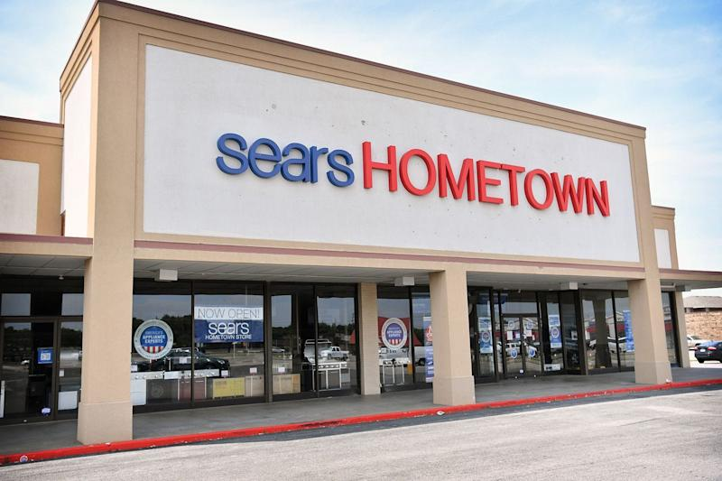 Sears' Eddie Lampert looks to regain full ownership of Sears Hometown and Outlet Stores