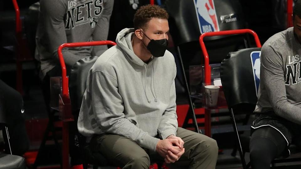 Blake Griffin Nets bench street clothes
