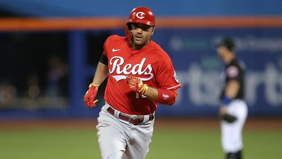Joey Votto rounds bases vs. Mets
