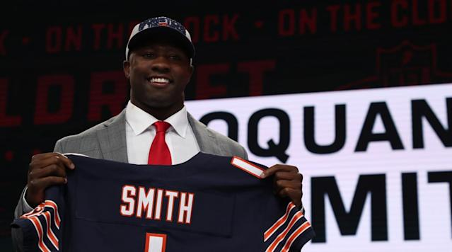 NFL reporter Dan Pompei breaks down Chicago's offseason additions, including fist round draft pick middle linebacker Roquan Smith. Former NFL center LeCharles Bentley discusses the new rule that will take the helmet out of the game