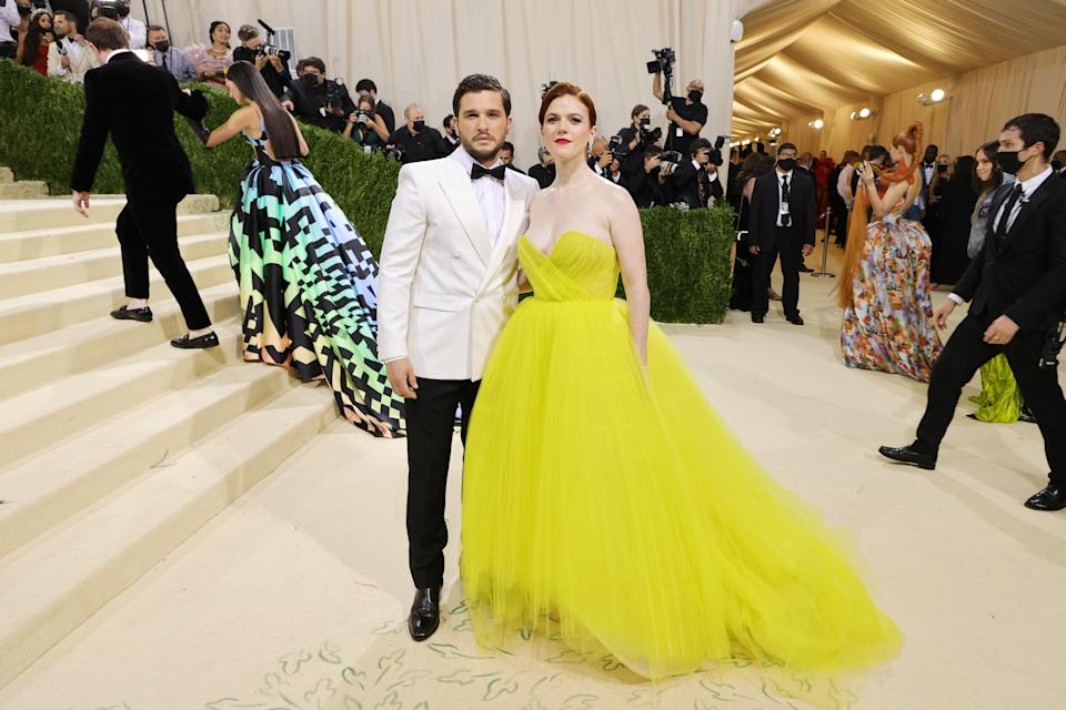 """<h1 class=""""title"""">Kit Harington and Rose Leslie, The 2021 Met Gala Celebrating In America: A Lexicon Of Fashion - Arrivals</h1><cite class=""""credit"""">Getty</cite>"""