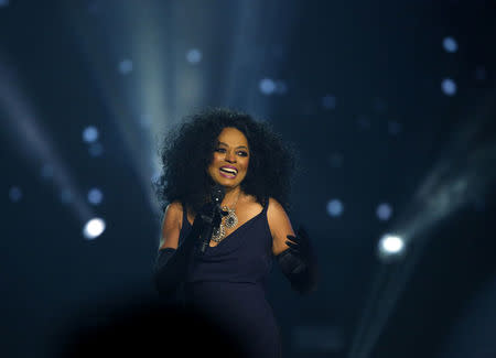 2017 American Music Awards – Show – Los Angeles, California, U.S., 19/11/2017 – Singer Diana Ross performs. REUTERS/Mario Anzuoni