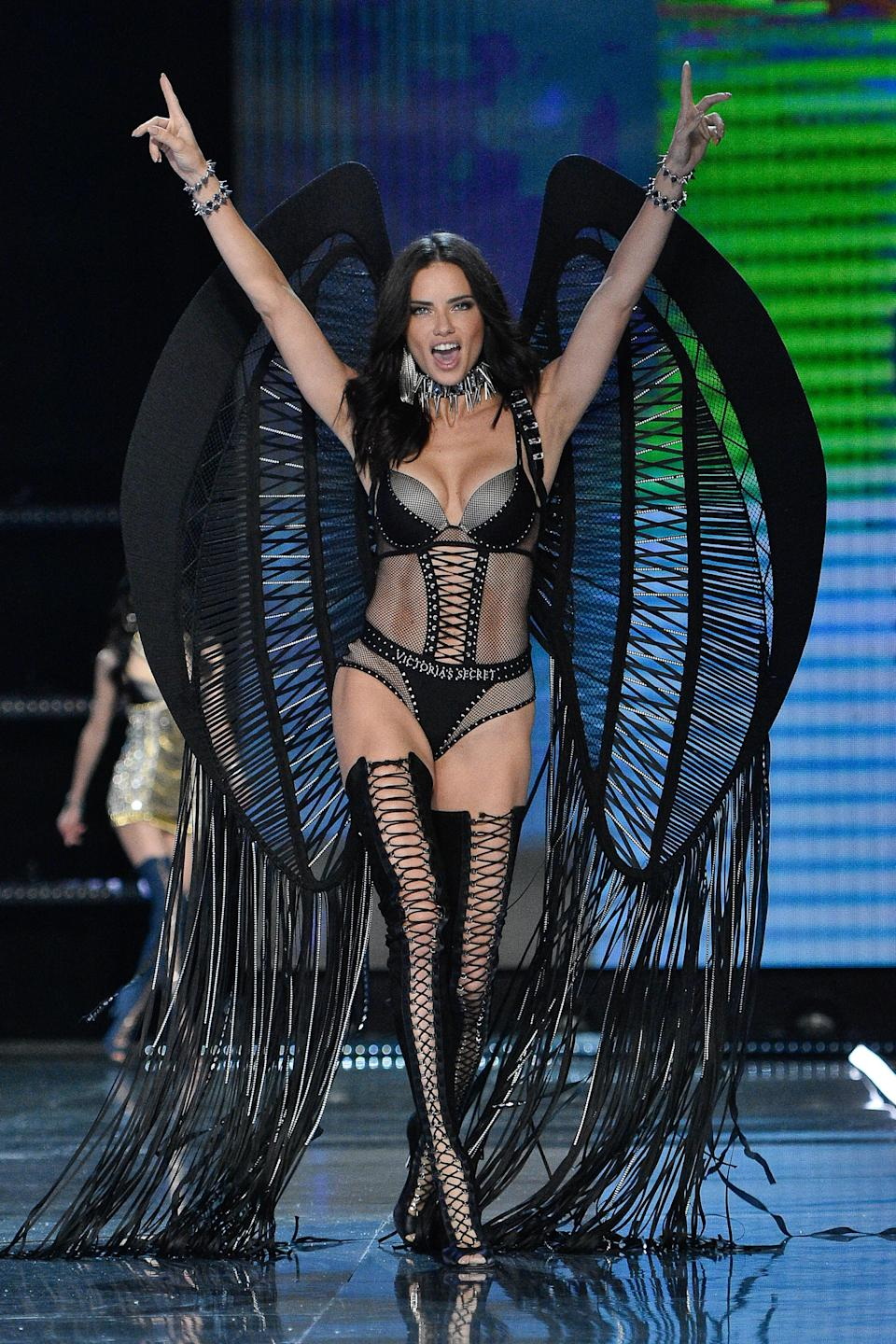 <p>The 36-year-old Victoria's Secret Angel came fourth, earning £7.9 million this year alone. It's all thanks to her contract with the lingerie label as well as campaigns with the likes of Maybelline and Desigual.<br><i>[Photo: Getty]</i> </p>