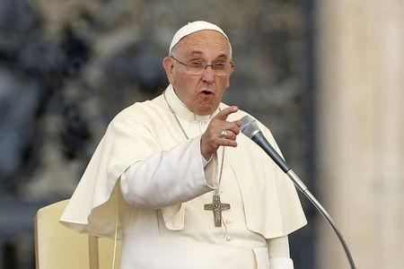 Pope Francis delivers a speech during an audience for the participants of the Convention of the Diocese of Rome in St. Peter's square at the Vatican City, June 14, 2015. REUTERS/Giampiero Sposito