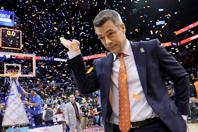 Tony Bennett led Virginia to the 2018 ACC regular-season and postseason titles. His Cavaliers are the team to beat in the NCAA tournament. (Getty)