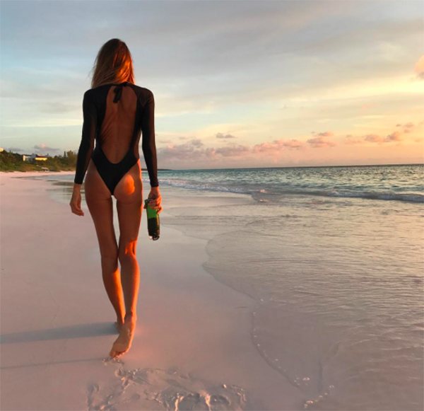 "<p>There is no need to explain how the Aussie model earned the nickname ""The Body."" (Photo: <a rel=""nofollow"" href=""https://www.instagram.com/p/BX5KhqylrNX/?hl=en&taken-by=ellemacphersonofficial"">Elle Macpherson via Instagram</a>) </p>"