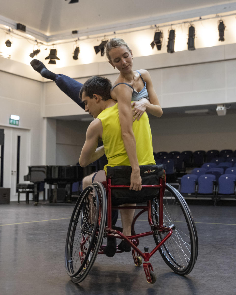Rehearsing with the Royal Ballet's Isabel Lubach (Dancers Diary ROH)