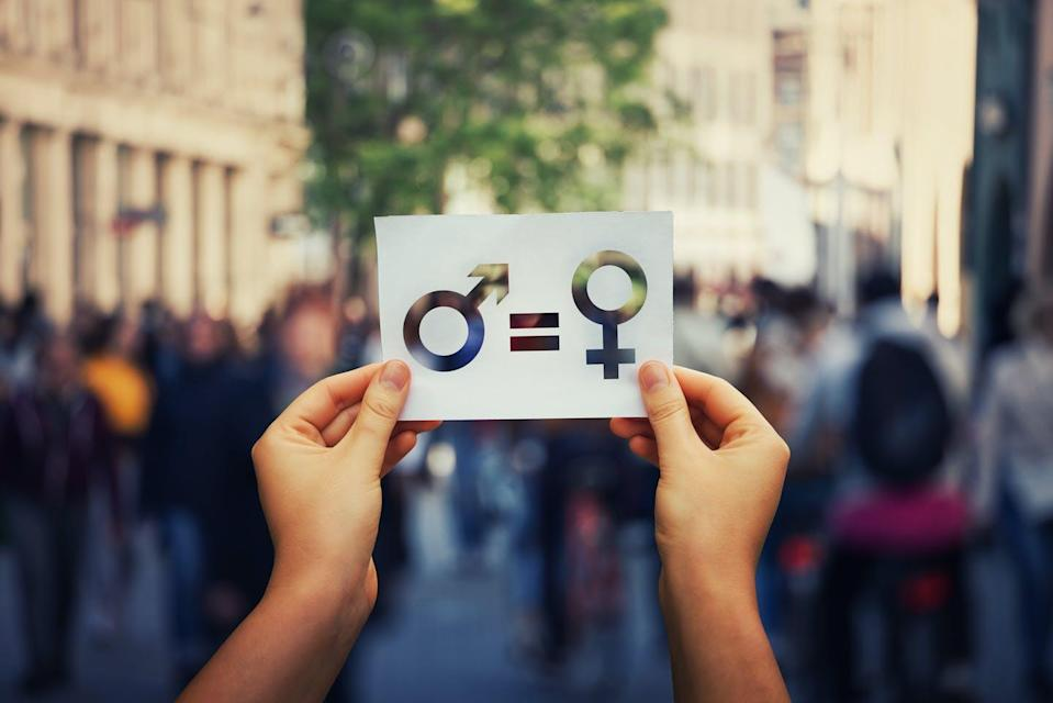 """<span class=""""attribution""""><a class=""""link rapid-noclick-resp"""" href=""""https://www.shutterstock.com/es/image-photo/gender-equality-concept-woman-hands-holding-1205245405"""" rel=""""nofollow noopener"""" target=""""_blank"""" data-ylk=""""slk:Shutterstock / StunningArt"""">Shutterstock / StunningArt</a></span>"""