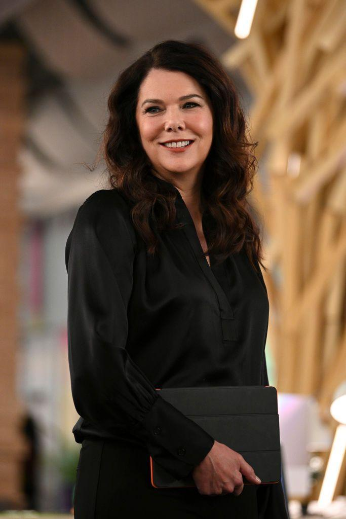 "<p><a href=""https://www.imdb.com/name/nm0334179/"" rel=""nofollow noopener"" target=""_blank"" data-ylk=""slk:Lauren Graham"" class=""link rapid-noclick-resp""><strong>Lauren Graham</strong></a> is best recognized for her breakthrough role of Lorelai Gilmore in the hit drama <em><a href=""https://www.amazon.com/Gilmore-Girls-Complete-First-Season/dp/B002DEI4NG?tag=syn-yahoo-20&ascsubtag=%5Bartid%7C10055.g.35226420%5Bsrc%7Cyahoo-us"" rel=""nofollow noopener"" target=""_blank"" data-ylk=""slk:Gilmore Girls"" class=""link rapid-noclick-resp"">Gilmore Girls</a></em>. In 2016, she reprised her role for the Netflix reunion miniseries <em><a href=""https://www.netflix.com/title/80109415"" rel=""nofollow noopener"" target=""_blank"" data-ylk=""slk:Gilmore Girls: A Year in the Life"" class=""link rapid-noclick-resp"">Gilmore Girls: A Year in the Life</a></em>. Lauren has appeared in shows like <em><a href=""https://www.amazon.com/Law-Order-Season-1/dp/B000V72ECY?tag=syn-yahoo-20&ascsubtag=%5Bartid%7C10055.g.35226420%5Bsrc%7Cyahoo-us"" rel=""nofollow noopener"" target=""_blank"" data-ylk=""slk:Law & Order"" class=""link rapid-noclick-resp"">Law & Order</a></em>, <a href=""https://www.amazon.com/Seinfeld-Seasons-1-2/dp/B0777TWP22?tag=syn-yahoo-20&ascsubtag=%5Bartid%7C10055.g.35226420%5Bsrc%7Cyahoo-us"" rel=""nofollow noopener"" target=""_blank"" data-ylk=""slk:Seinfeld"" class=""link rapid-noclick-resp"">Seinfeld</a>, <em><a href=""https://www.amazon.com/Parenthood-Season-1/dp/B0038L1XPO?tag=syn-yahoo-20&ascsubtag=%5Bartid%7C10055.g.35226420%5Bsrc%7Cyahoo-us"" rel=""nofollow noopener"" target=""_blank"" data-ylk=""slk:Parenthood"" class=""link rapid-noclick-resp"">Parenthood</a></em>, and <em><a href=""https://www.amazon.com/Curb-Your-Enthusiasm-Season-1/dp/B003QFDXT6?tag=syn-yahoo-20&ascsubtag=%5Bartid%7C10055.g.35226420%5Bsrc%7Cyahoo-us"" rel=""nofollow noopener"" target=""_blank"" data-ylk=""slk:Curb Your Enthusiasm"" class=""link rapid-noclick-resp"">Curb Your Enthusiasm</a></em>. On the big screen, she's starred in the films <em><a href=""https://www.amazon.com/Sweet-November-Keanu-Reeves/dp/B007Z9QVW0?tag=syn-yahoo-20&ascsubtag=%5Bartid%7C10055.g.35226420%5Bsrc%7Cyahoo-us"" rel=""nofollow noopener"" target=""_blank"" data-ylk=""slk:Sweet November"" class=""link rapid-noclick-resp"">Sweet November</a></em>, <a href=""https://www.amazon.com/Bad-Santa-Billy-Bob-Thornton/dp/B01N4916NA?tag=syn-yahoo-20&ascsubtag=%5Bartid%7C10055.g.35226420%5Bsrc%7Cyahoo-us"" rel=""nofollow noopener"" target=""_blank"" data-ylk=""slk:Bad Santa"" class=""link rapid-noclick-resp""><em>Bad Santa</em></a>, <em><a href=""https://www.amazon.com/Pacifier-Vin-Diesel/dp/B003SI5MZE?tag=syn-yahoo-20&ascsubtag=%5Bartid%7C10055.g.35226420%5Bsrc%7Cyahoo-us"" rel=""nofollow noopener"" target=""_blank"" data-ylk=""slk:The Pacifier"" class=""link rapid-noclick-resp"">The Pacifier</a></em>, <em><a href=""https://www.amazon.com/Because-Said-So-Diane-Keaton/dp/B000QDRSPQ?tag=syn-yahoo-20&ascsubtag=%5Bartid%7C10055.g.35226420%5Bsrc%7Cyahoo-us"" rel=""nofollow noopener"" target=""_blank"" data-ylk=""slk:Because I Said So"" class=""link rapid-noclick-resp"">Because I Said So</a></em>, and <em><a href=""https://www.amazon.com/Evan-Almighty-Steve-Carell/dp/B000V69018?tag=syn-yahoo-20&ascsubtag=%5Bartid%7C10055.g.35226420%5Bsrc%7Cyahoo-us"" rel=""nofollow noopener"" target=""_blank"" data-ylk=""slk:Evan Almighty"" class=""link rapid-noclick-resp"">Evan Almighty</a></em>. What's more, she's published <a href=""https://www.amazon.com/Lauren-Graham/e/B00E5ZI7UG?tag=syn-yahoo-20&ascsubtag=%5Bartid%7C10055.g.35226420%5Bsrc%7Cyahoo-us"" rel=""nofollow noopener"" target=""_blank"" data-ylk=""slk:four books"" class=""link rapid-noclick-resp"">four books</a>.</p>"