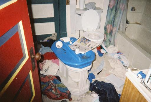 A photo, taken by Brynlee's brother, showing the messy state of their bathroom when they were children.