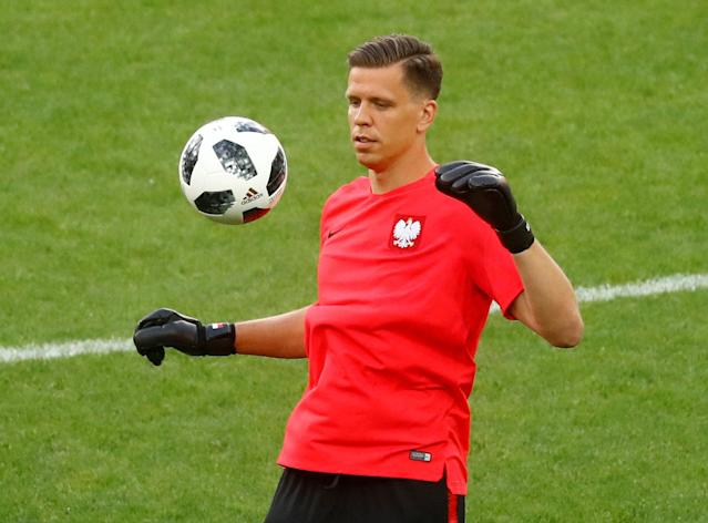 Soccer Football - World Cup - Poland Training - Spartak Stadium, Moscow, Russia - June 18, 2018 Poland's Wojciech Szczesny during training REUTERS/Kai Pfaffenbach