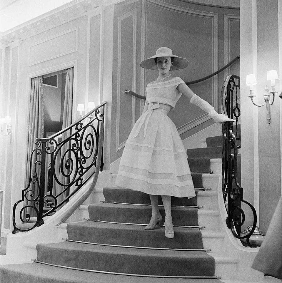 <p>In the 1950s, the popular silhouette changed completely. Tea-length dresses were all the rage, and fabric like tulle and chiffon made for fuller skirts and accentuated waists. Once again, the hourglass shape dominated.</p>