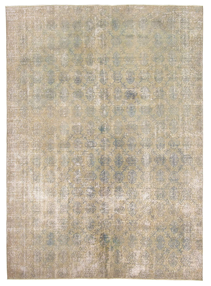 eCarpetGallery Antalya Vintage Transitional Grey Rug (Photo via Amazon)