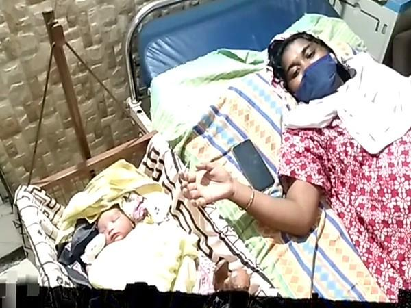Woman gives birth to baby in a car in Visakhapatnam [Photo/ANI]