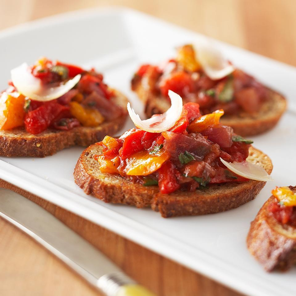 <p>This healthy appetizer features roasted vegetables on whole grain bread.</p>