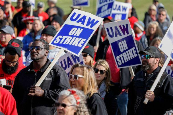 PHOTO: United Auto Workers union members and their families rally near the General Motors Flint Assembly plant on Solidarity, Oct. 13, 2019, in Flint, Mich. (Bill Pugliano/Getty Images, FILE)