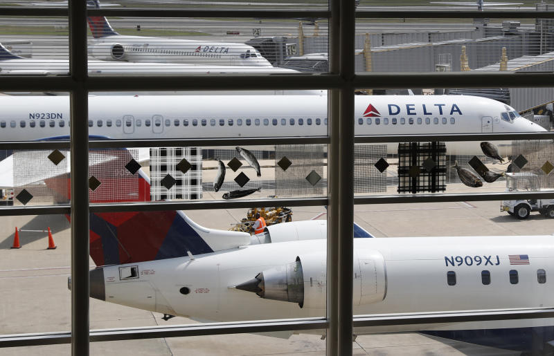 Delta apologises for kicking family off USA  flight