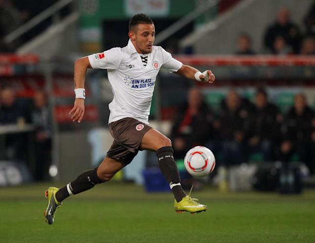 FILE PHOTO: FC St. Pauli's Deniz Naki controls the ball during their German Bundesliga first division soccer match against Hannover 96 in Hanover, Germany, October 1, 2010. REUTERS/Christian Charisius/File Photo