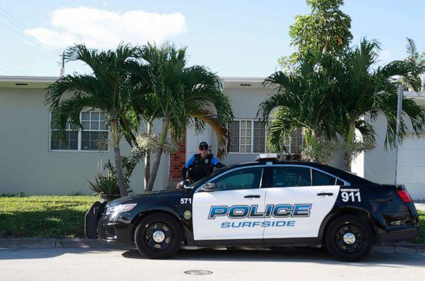 PHOTO: A police officer stands guard in front of the home of Sol Pais, April 17, 2019, in Surfside, Fla. (Wilfredo Lee/AP)