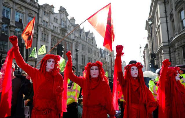 """London came to a standstill this year as climate change protest group <a href=""""https://uk.news.yahoo.com/tagged/extinction-rebellion/"""" data-ylk=""""slk:Extinction Rebellion"""" class=""""link rapid-noclick-resp""""><strong>Extinction Rebellion</strong></a> took to the streets in a series of stunts designed to cause maximum disruption. The group put the phrase 'climate emergency' onto the political map but drew criticism for <a href=""""https://uk.news.yahoo.com/commuters-fight-back-against-extinction-rebellion-protestors-who-climbed-on-top-of-tube-during-rush-hour-072202059.html"""" data-ylk=""""slk:blocking commuters;outcm:mb_qualified_link;_E:mb_qualified_link;ct:story;"""" class=""""link rapid-noclick-resp yahoo-link""""><strong>blocking commuters</strong></a> on public transport. (Getty)"""
