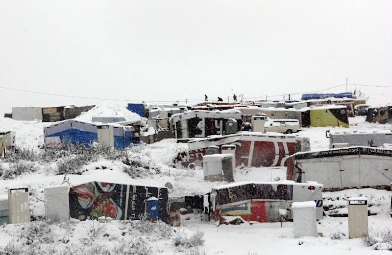 Syrian refugees' tents are seen covered in snow in the Marj al-Khokh camp on February 20, 2015, in the southern Lebanese town of Marjayoun (AFP Photo/Ali Dia)
