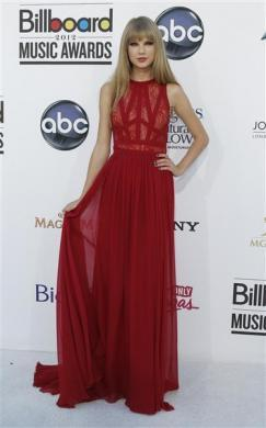 Taylor Swift arrives at the 2012 Billboard Music Awards in Las Vegas, Nevada, May 20, 2012.