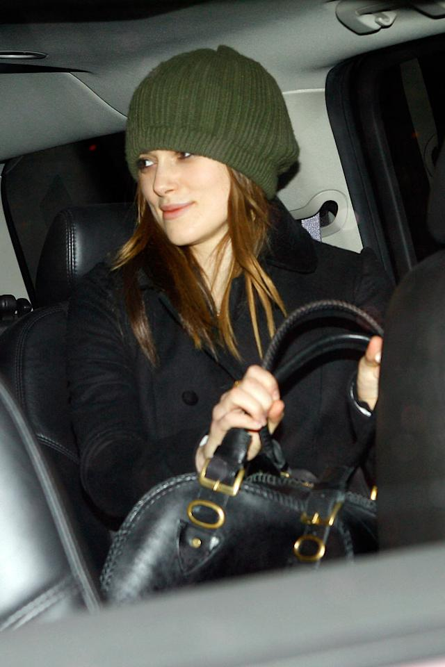 """Who says it doesn't get cold in California? Glamour girl Keira Knightley kept warm under a knit beanie during her trip to L.A. Phamous Photos/<a href=""""http://www.splashnewsonline.com"""" target=""""new"""">Splash News</a> - December 5, 2007"""