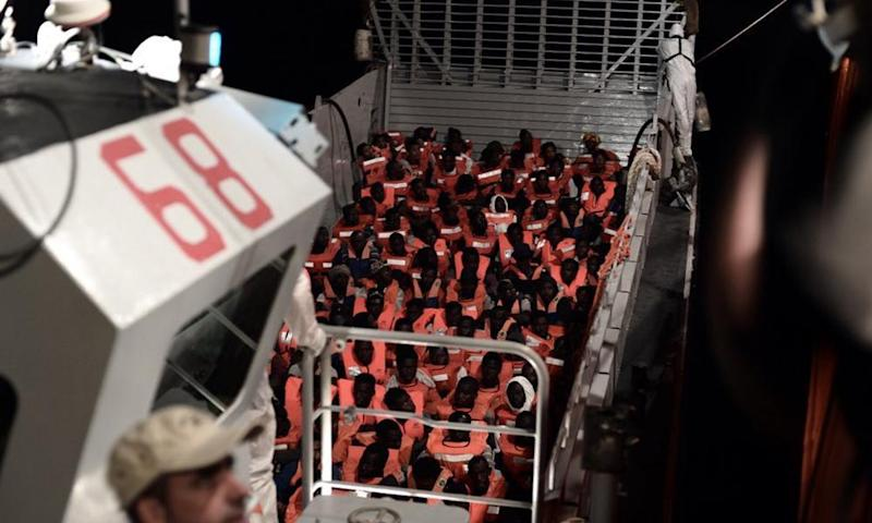 Rescued migrants on the Aquarius