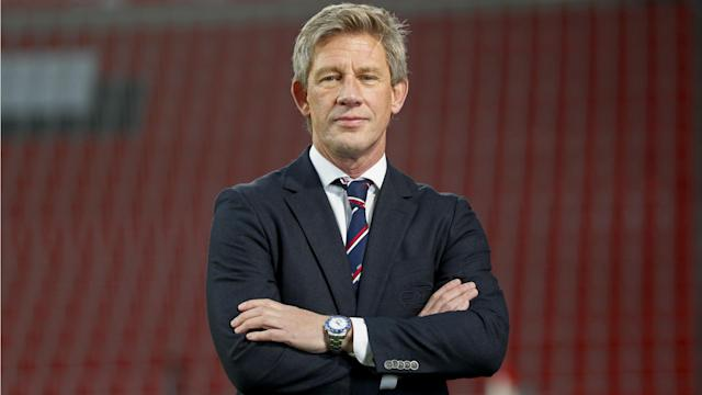 Marcel Brands is to replace Steve Walsh as director of football at Everton, arriving from PSV.