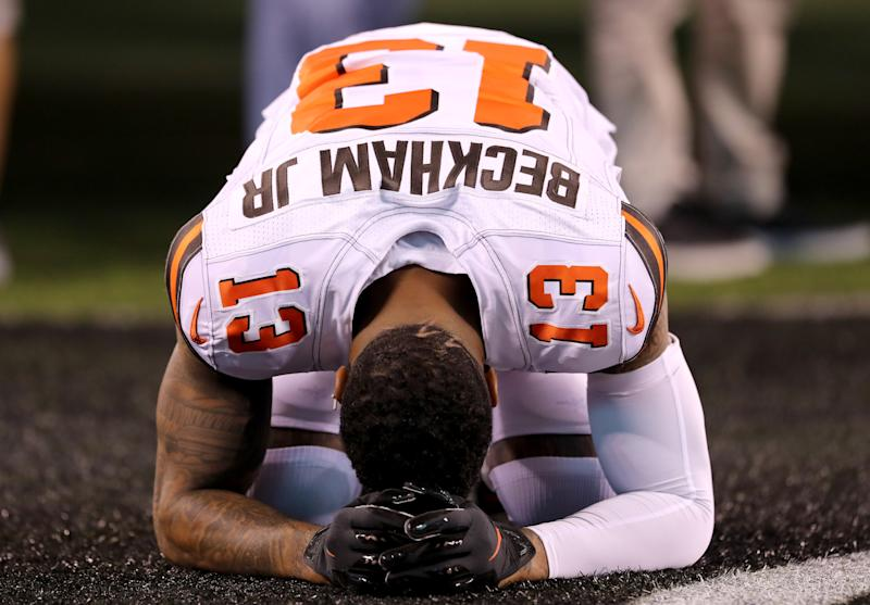 EAST RUTHERFORD, NEW JERSEY - SEPTEMBER 16: Odell Beckham Jr. #13 of the Cleveland Browns takes a moment before the game against the New York Jets at MetLife Stadium on September 16, 2019 in East Rutherford, New Jersey. (Photo by Elsa/Getty Images)
