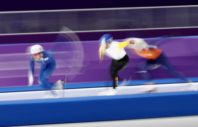 Speed Skating - Pyeongchang 2018 Winter Olympics - Men's Mass Start competition finals - Gangneung Oval - Gangneung, South Korea - February 24, 2018 - Seung-Hoon Lee of South Korea, Bart Swings of Belgium and Koen Verweij of the Netherlands in action. REUTERS/Damir Sagolj